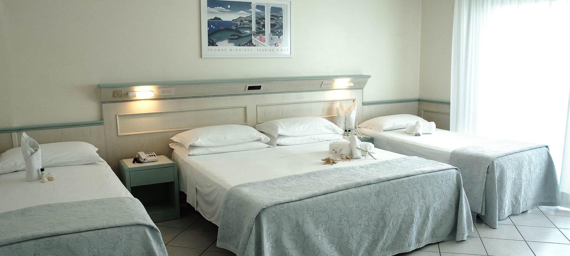 Hotel a riccione con camere vista mare hotel arizona - Alberghi con camere a tema ...